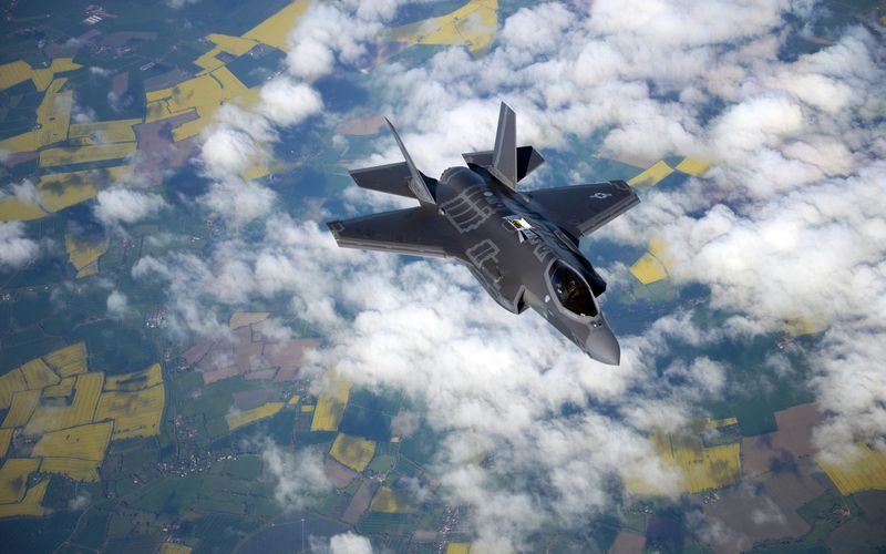 Des F-35A Lightning II de l'US Air Force se posent en Estonie et en Bulgarie