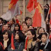 SIGNATURE DES ACCORDS DE PARIS SUR LA GUERRE AU VIETNAM - Film du mois - Ciné-Archives - Cinémathèque du parti communiste français - Mouvement ouvrier et démocratique