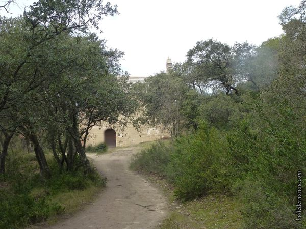 L'accès par le site des grottes...le chemin le plus court