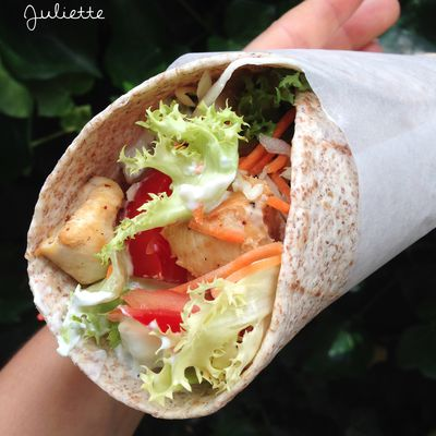 ▲ Wraps aux crudités, poulet au citron et tzatziki (version light) ▲