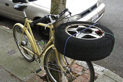 Pneu roue de secours de vélo...