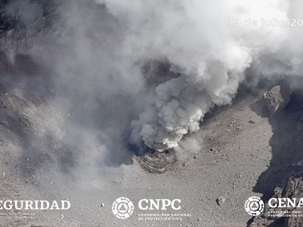 Popocatépetl - flight over the crater on 19 July 2019 - Doc. ICCSV & Cenapred / CNPC / Seguridad - one click to enlarge