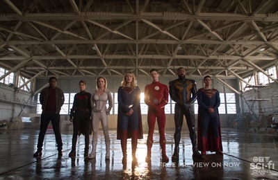 Critiques Séries : Crisis on Infinite Earths, Part 5. DC's Legends of Tomorrow (5.01).