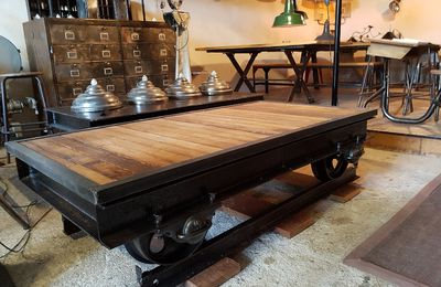 TABLE BASSE WAGONNET - DESIGN INDUSTRIEL :