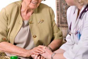 Une infirmière qui n'effectue que des soins à domicile peut-elle domicilier son cabinet professionnel à l'adresse du local d'une consœur ?