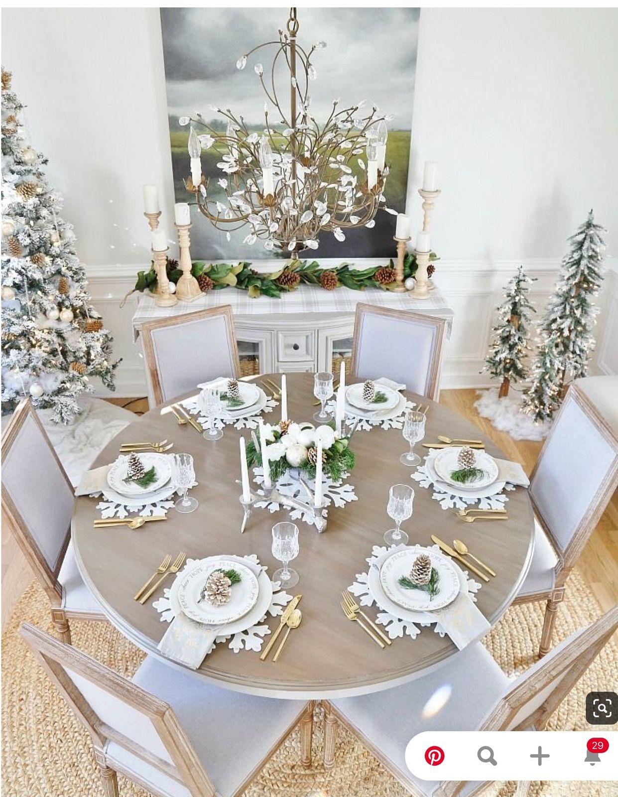 Faire une table de Noël, glamour en blanc et or