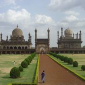 Inde - Bijapur : Mausolee Ibrahim Rauza - LANKAART