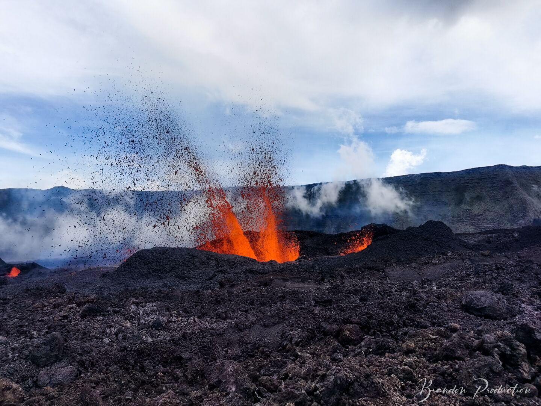 ©Brandon Production Photo depuis le site de l'éruption