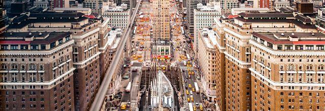 Reflet de New York sur un immeuble