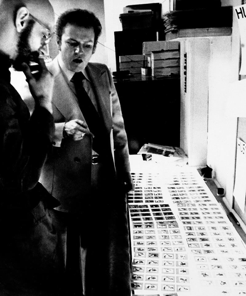 Mr. Flynt planning an issue of Hustler with a photo editor, Edward Sonner, in 1977.Credit...Associated Press