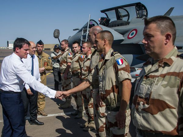 Opération Barkhane : visite de M. Manuel Valls, Premier Ministre