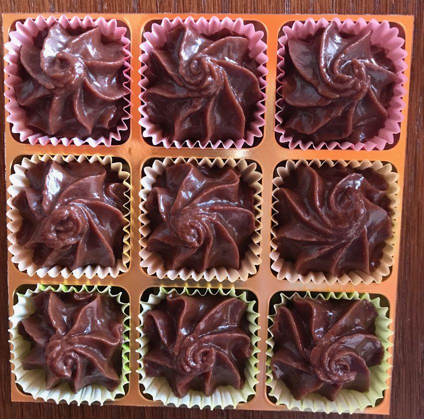 Chocolats suisses artisanaux. Ganache à l'absinthe.