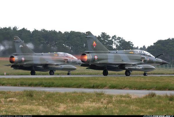 Une collision a été évitée entre deux Mirage 2000 et un avion militaire britannique