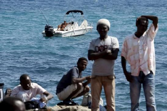 France says Italy must abide by EU immigration...