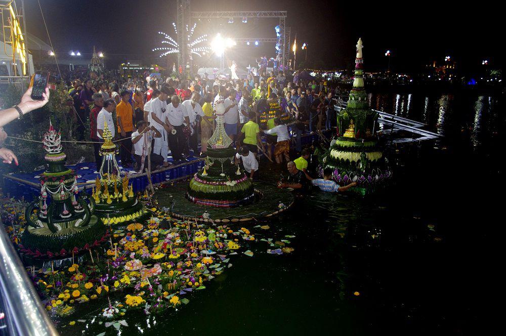 Udonthani: 31 octobre 2020: Fête de LOY KRATONG