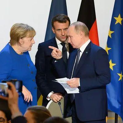 Ukraine : Moscou demande à Macron et Merkel de faire pression sur Kiev