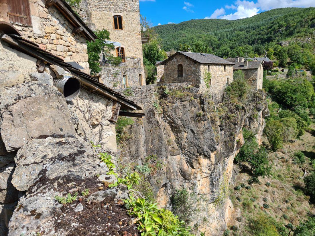Authentique nid d'aigle médiéval de l'Aveyron, perdu au milieu de nulle part
