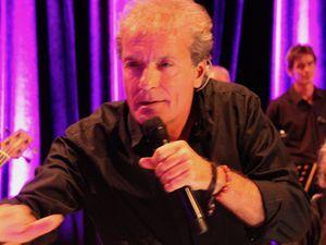 Un concert de haute qualité avec l'habituelle présencescénique du chanteur Jean-Marc Desbois. Photos DGI • © André Girard