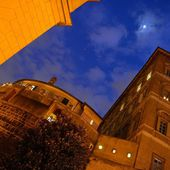 Le Tribunal du Vatican émet sa première condamnation pour blanchiment d'argent - Vatican News