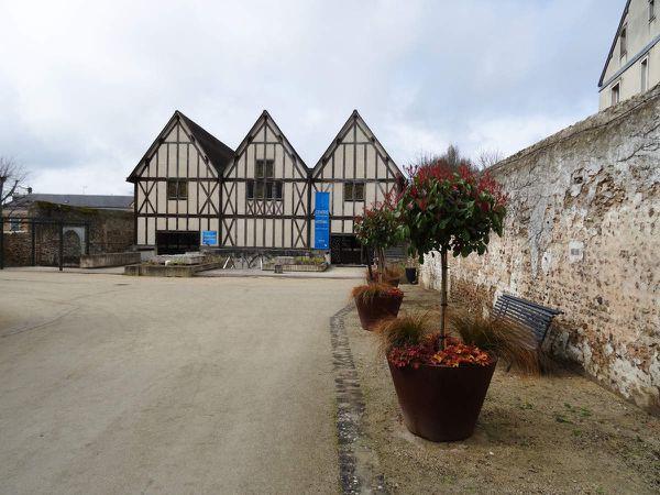 Centre International du Vitrail  - Vitrail de Saint Paul - XIIIe