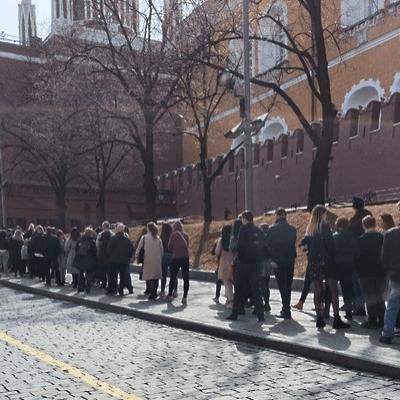 Le Mausolée de Lénine rouvert aux visiteurs après six mois