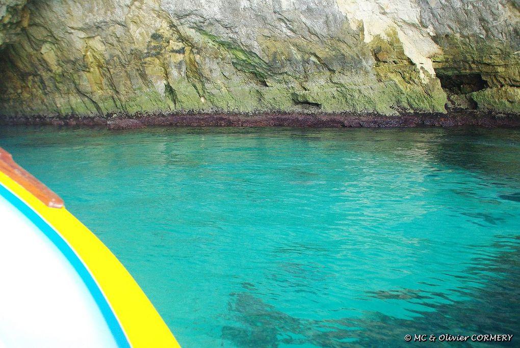 """Balade en Bauque dans les """"Blue Cave"""""""