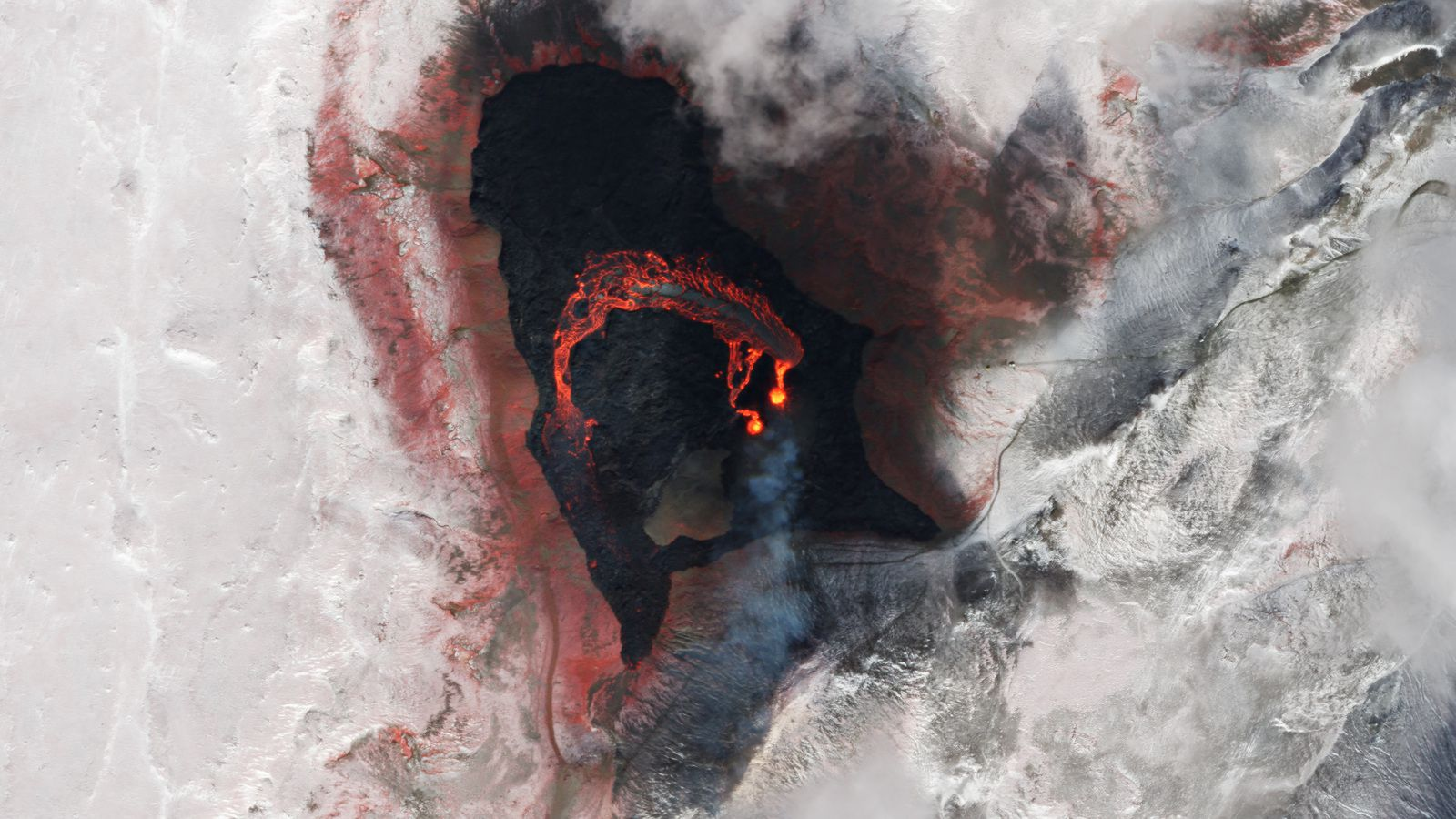 The eruptive site in Gledingadalur - near IR image (the vegetation is in red) detailing the lava flow - Doc. PlanetLabs SkySats 26.03.2021 - one click to enlarge