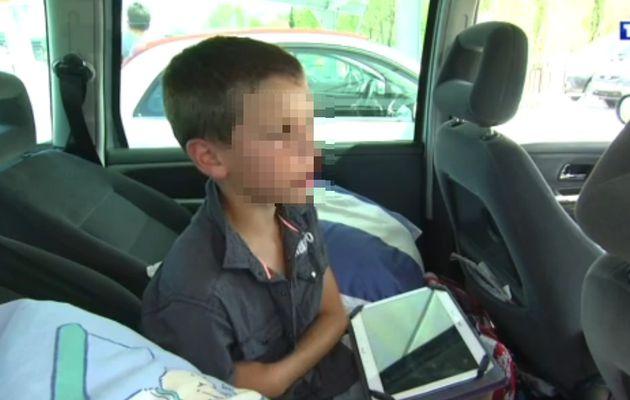 Pendant que TF1 filme, les enfants s'amusent sans siège-auto ou ceinture....