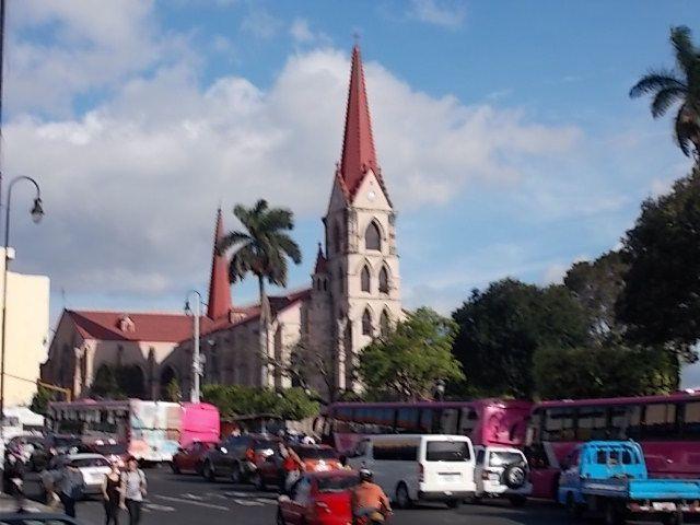 une escale au Salvador, SAN JOSE : le barrio chino, églises,peintures dans hôtel Don Carlos, danses improvisées avenidad central, marché couvert, dégustation café et horchata