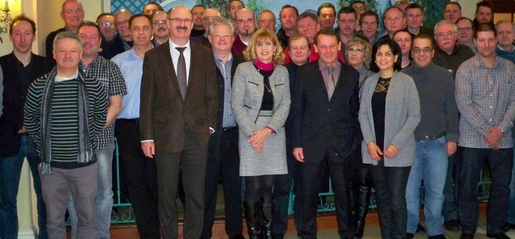 Les adhérents CFE-CGC Métallurgie Lorraine se sont réunis le 8 février 2013 à FEY (Moselle) en Assemblée Générale Extraordinaire en vue de la modification des statuts du syndicat. http://youtu.be/acqhNlCOKx0