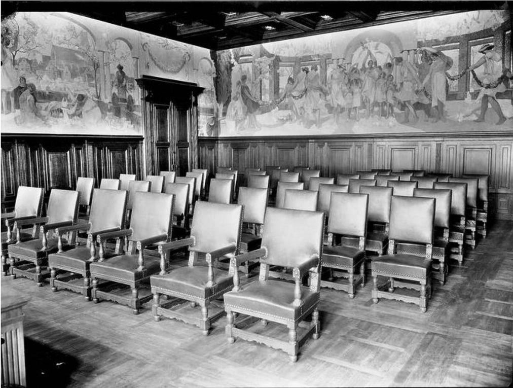 La salle des mariages (source : Ministère de la Culture, Médiathèque de l'architecture et du patrimoine, dist. RMN-GP)