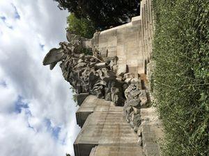 Place de la Victoire ...