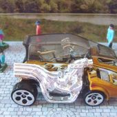 MOTOR PSYCHO OU POPCYCLE HOT WHEELS 1/64 SIDECAR FUTURISTE - car-collector.net