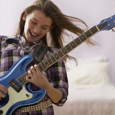 Stradivari Strings - Your Most Reliable Destination for Electric Guitar Lessons