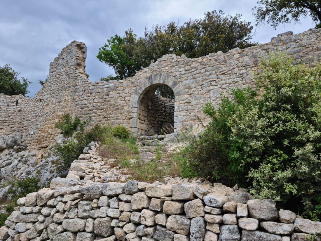 Petit village au coeur du Luberon, crée au XVIIème siècle