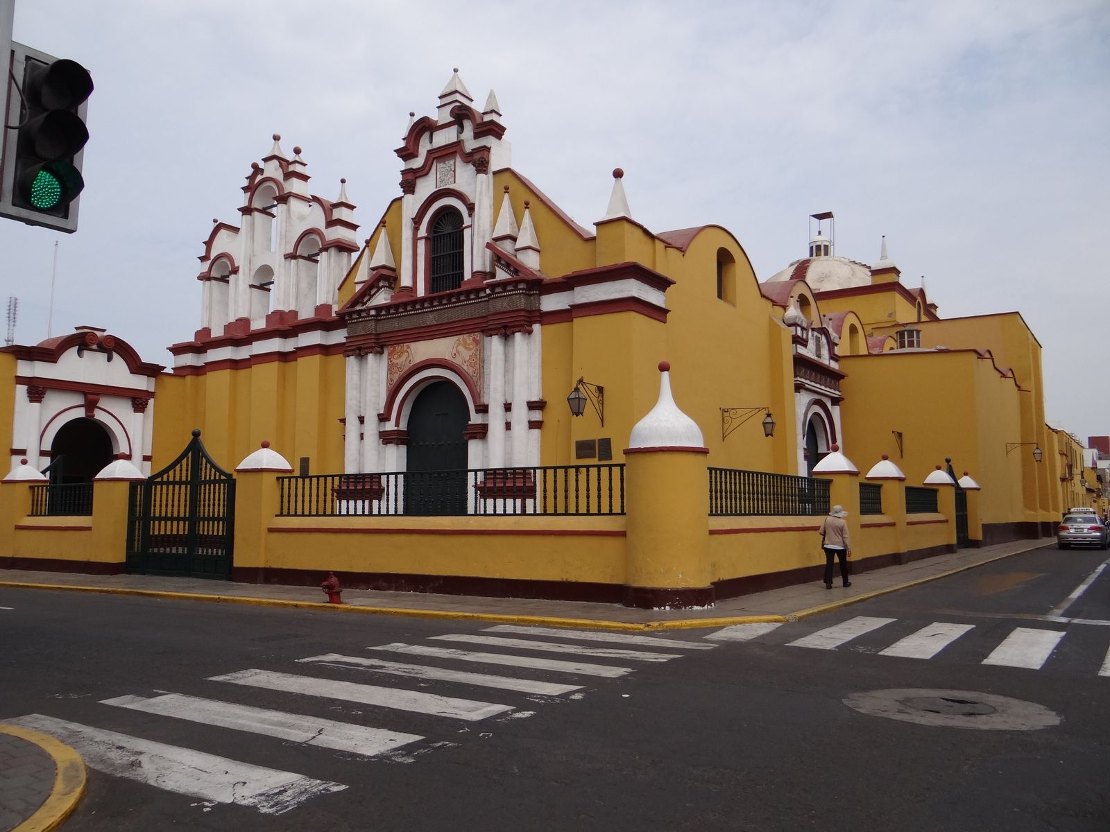 Voyage au PEROU en 2014. Lima. Caraz. Trujillo. Mancora.