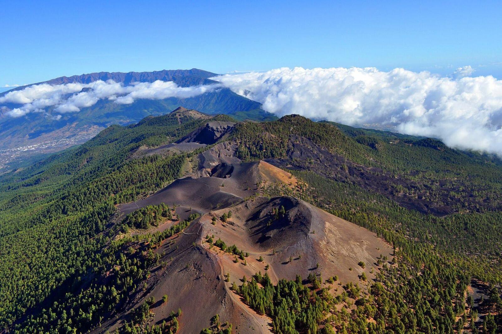 Cumbre Vieja volcano - photo In Volcan / fotoaereasdecanarias
