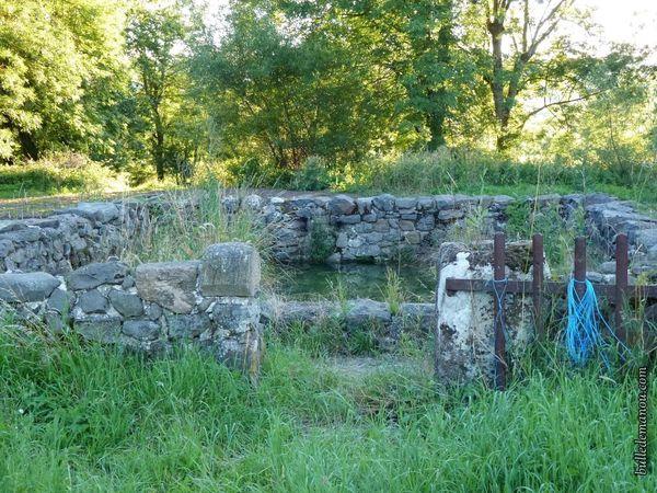 Le lavoir du Hameau de Rougeac