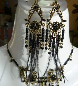 Black Bottom - Parure en jais de Paris vintage, strass cristal et plume filament d'autruche au style Charleston