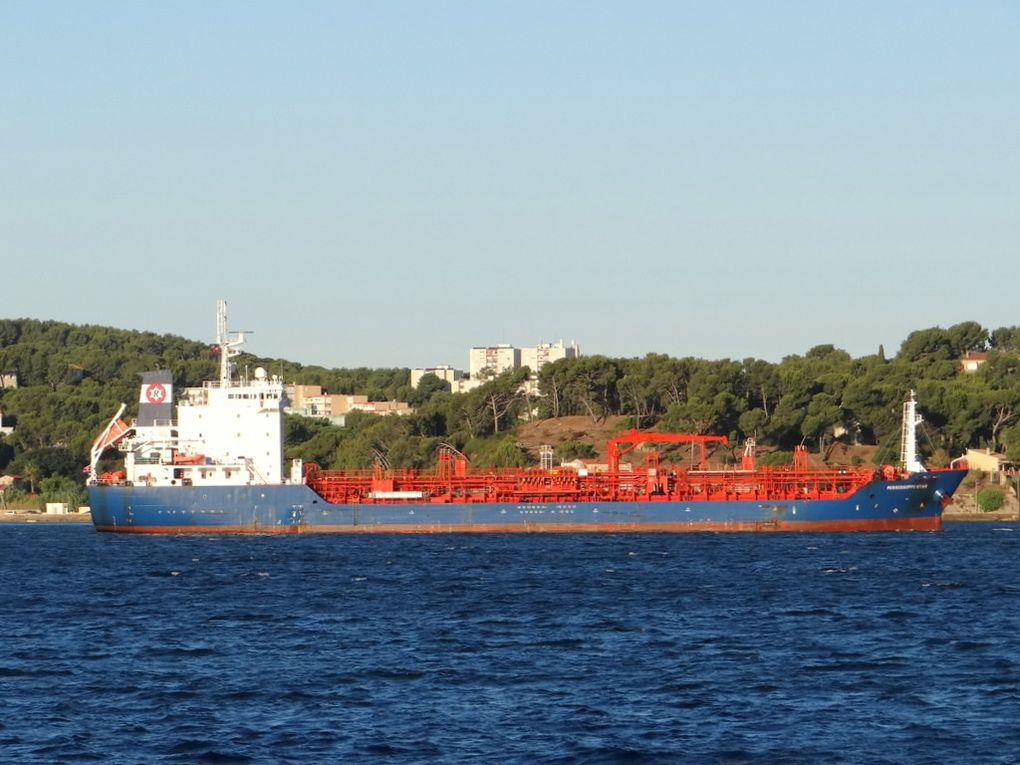 MISSISSIPPI STAR , arrivant en rade  Toulon et direction  la base navale le 11 septembre 2017