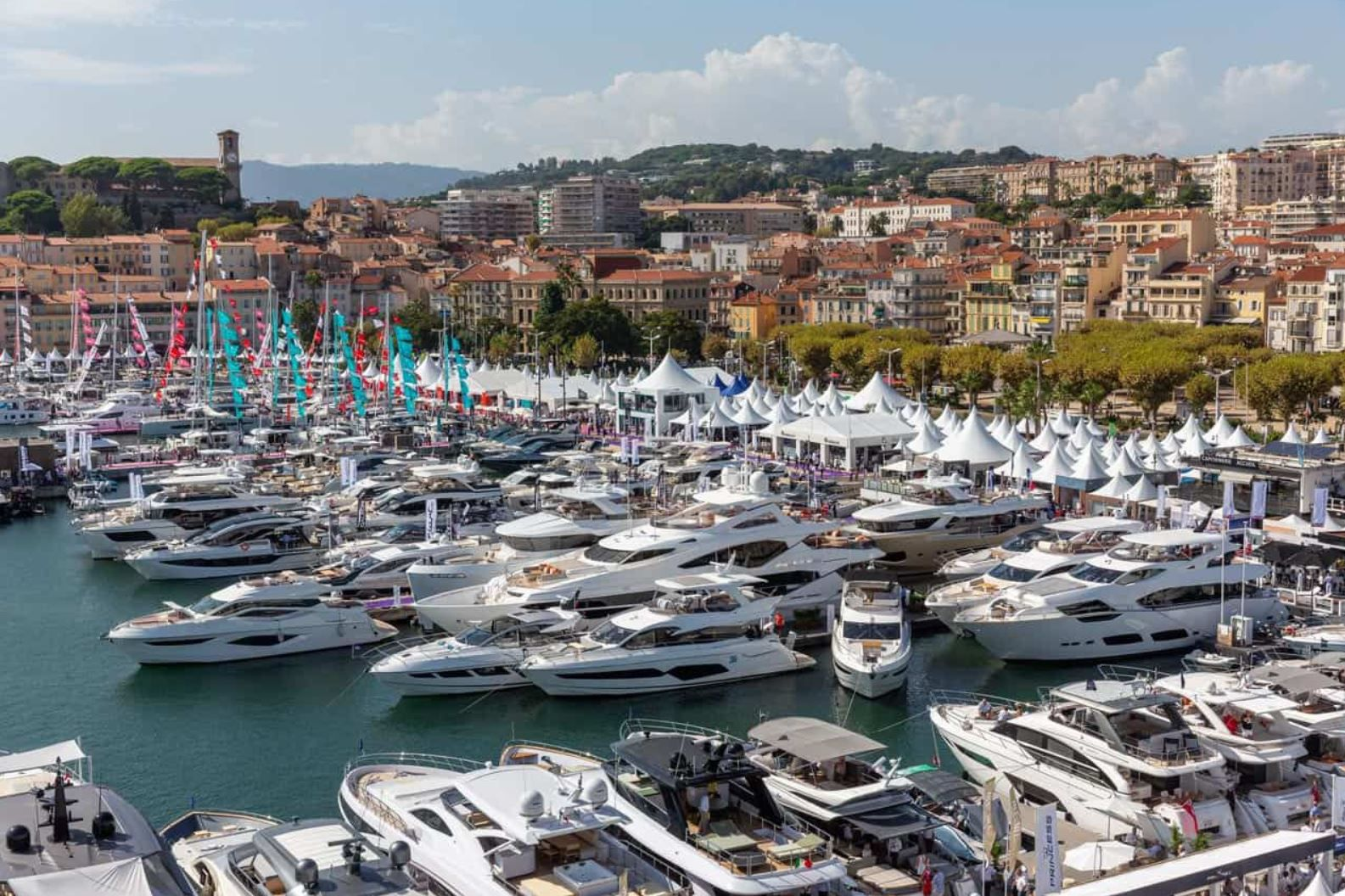 Boating Industry - Reed keeps the organization of the Cannes Yachting Festival until 2041
