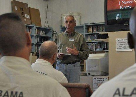 Etats-Unis : Un ancien condamné retourne en prison pour évangéliser les détenus