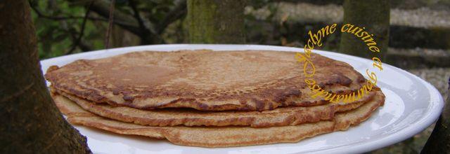 Crêpes à la farine d'épeautre, au lait d'avoine, garnies de feuilles de blettes de la ferme et comté de qualité