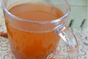Cidre chaud épicé ~ Hot apple cider (jus de pomme épicé chaud ~ hot apple juice)