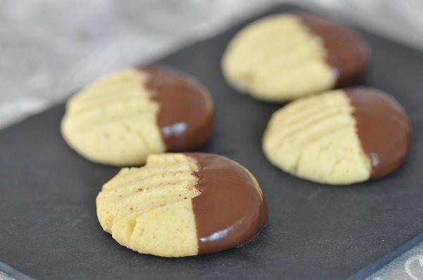 """Biscuits sablés """"pattes de chat"""""""