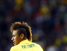 Il est pour le Brésil. Il a 12 ans