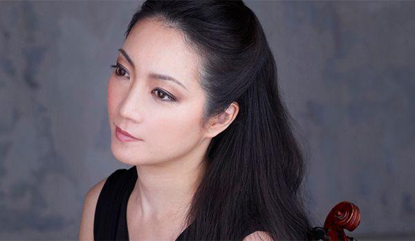 akiko suwanai, une violoniste japonaise qui mène une carrière internationale prestigieuse