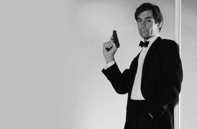 Timothy Dalton est James Bond