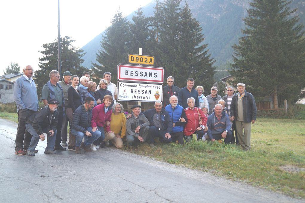 Bessans : les panneaux officiels du jumelage avec Bessan (Hérault) inaugurés