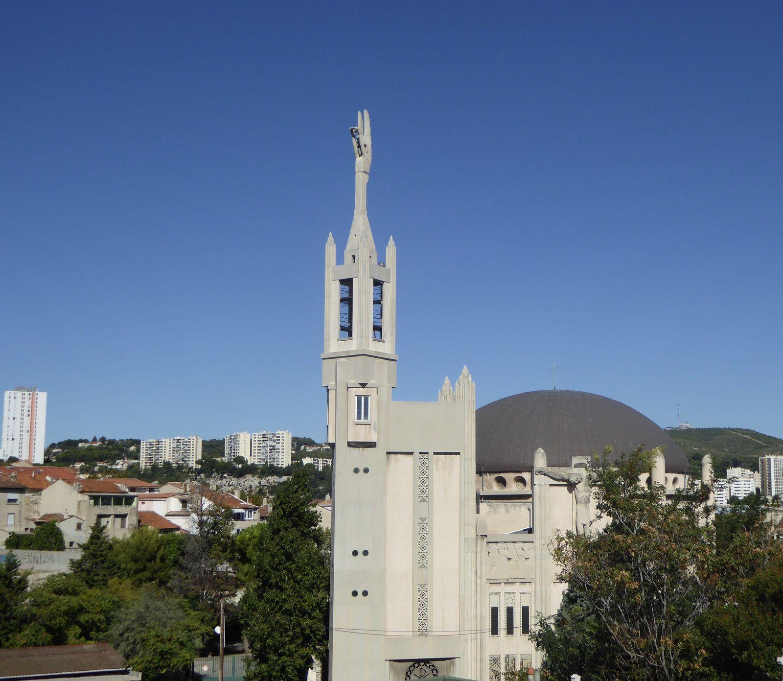 La mémoire ouvrière oubliée de l'église Saint-Louis de Marseille
